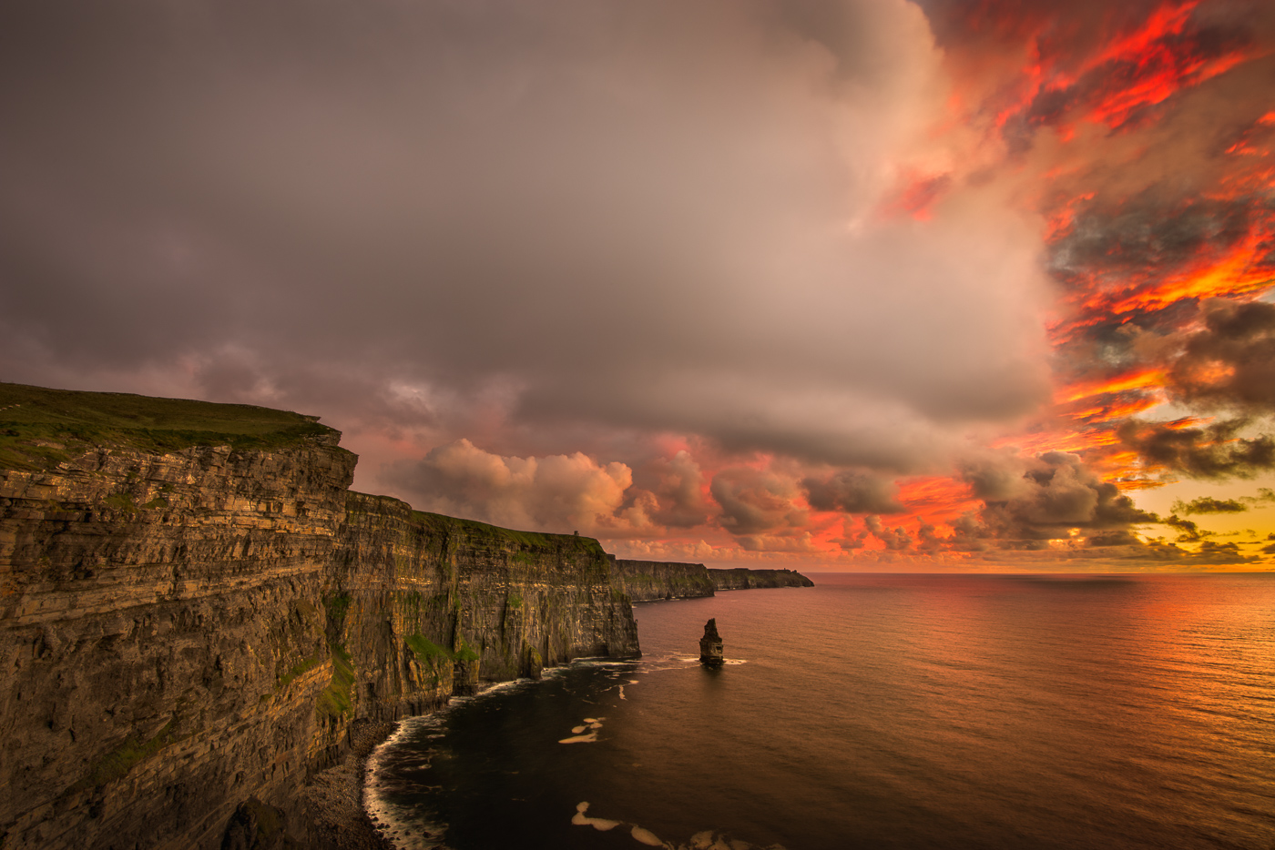 cliffs of moher amazing sunset
