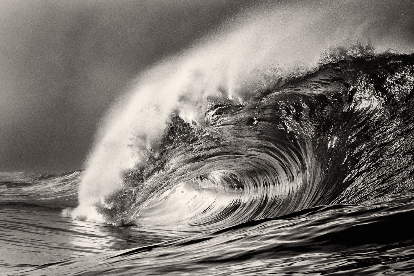 beautiful heavy wave ireland black and white