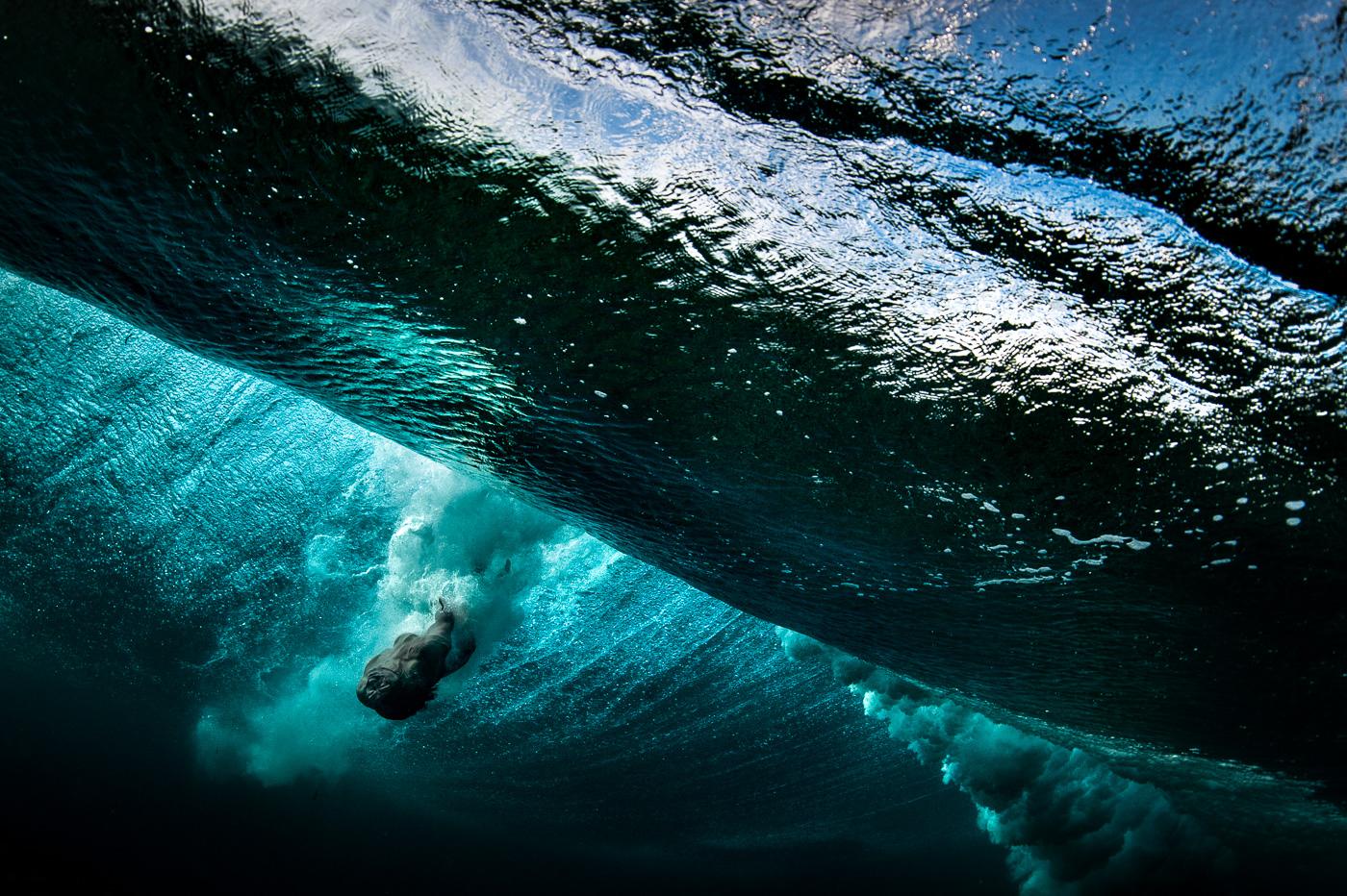 underwater heavy and big wave body surfing