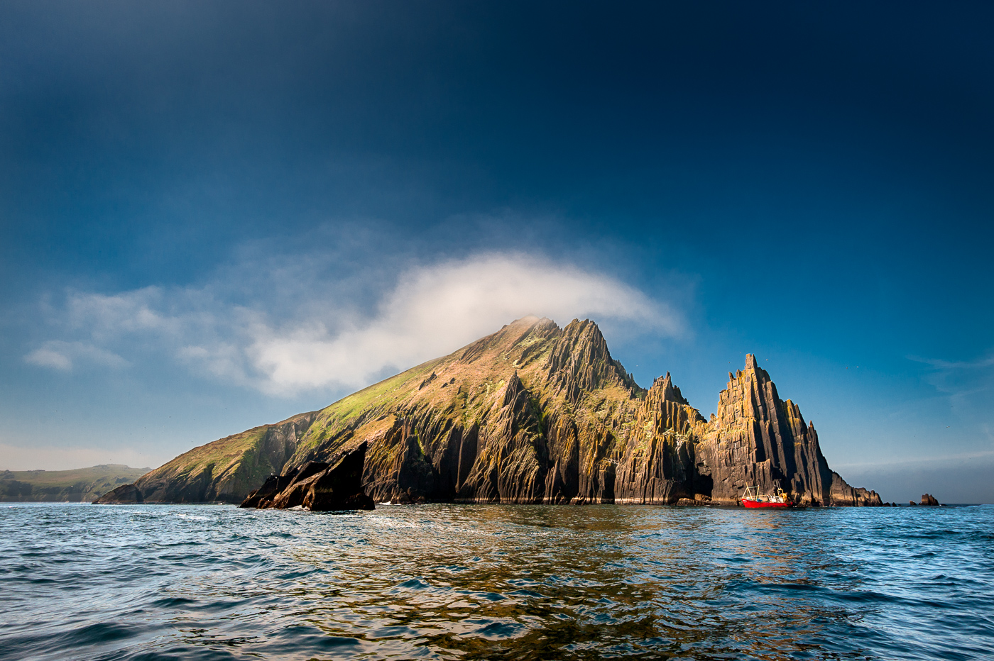 inishnabro cathedral rock blasket islands