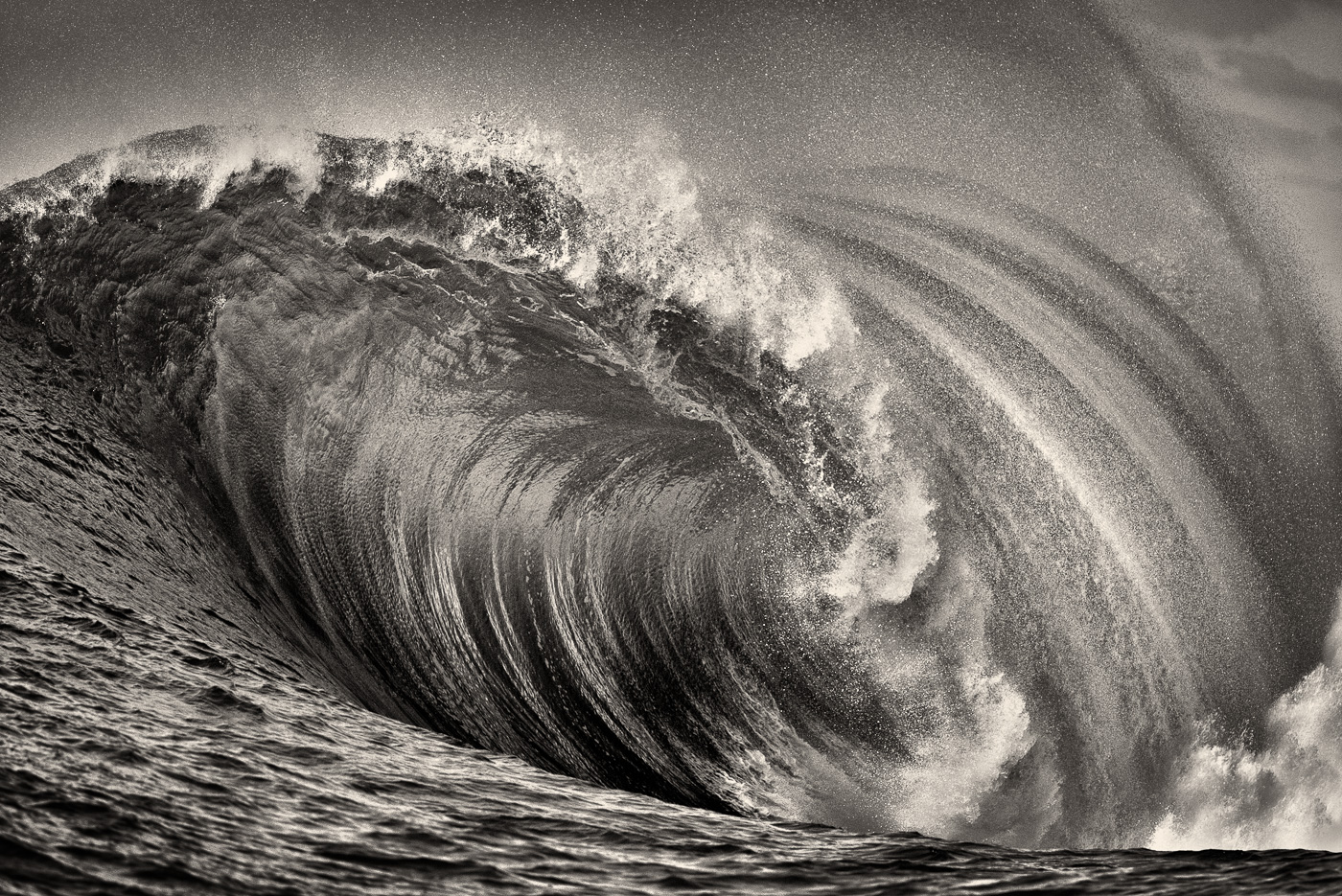 aileens_wave_black_and_white