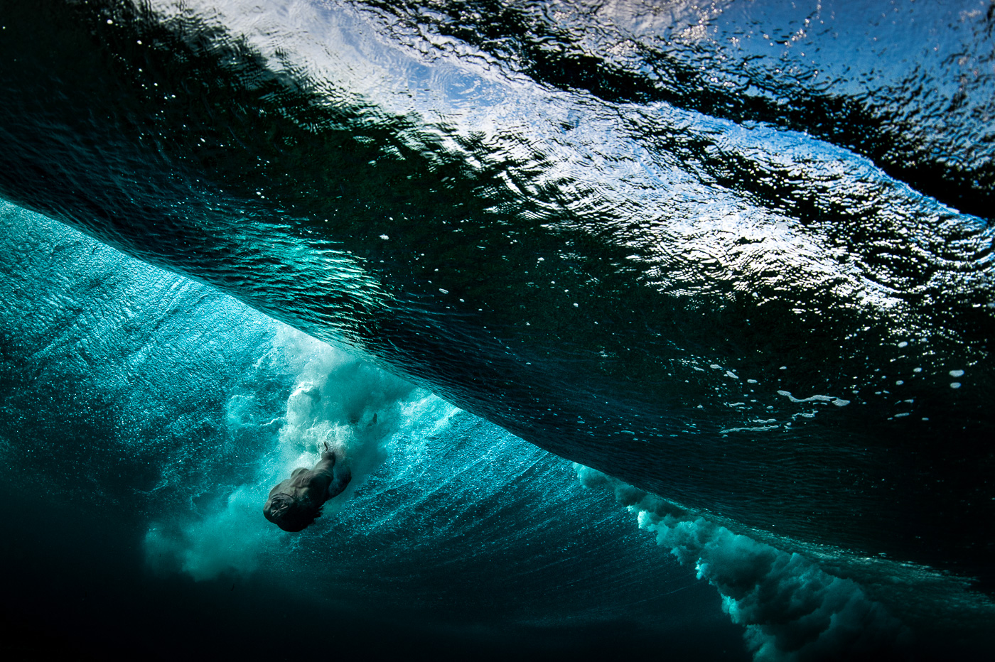 underwater heavy and big wave body surfing