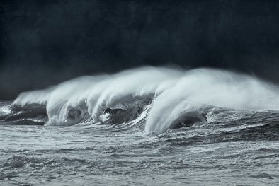 Heavy winter waves Ireland